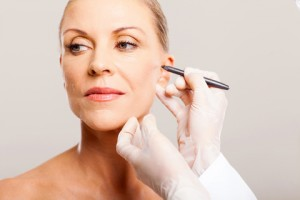 Neck lifting cosmetic surgery and face lift in Bangkok Thailand